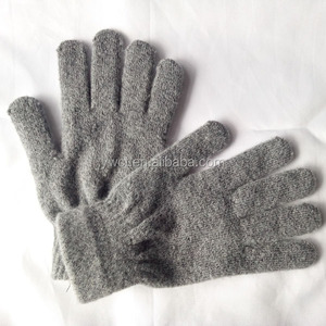 Cheap New Fashion Solid Color Custom Promotion Winter Knit Soft Stretch Mittens Grey Thick Warm Acrylic Wool Gloves for Men