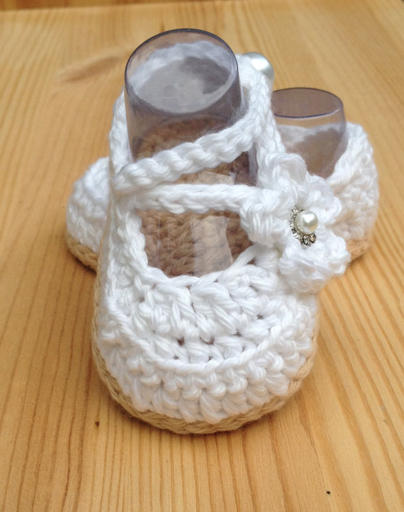 Crochet Baby Shoes White Baby Shoes Handmade Baby Wedding Shoes Baby Ballerina White Shoes Newborn Booties