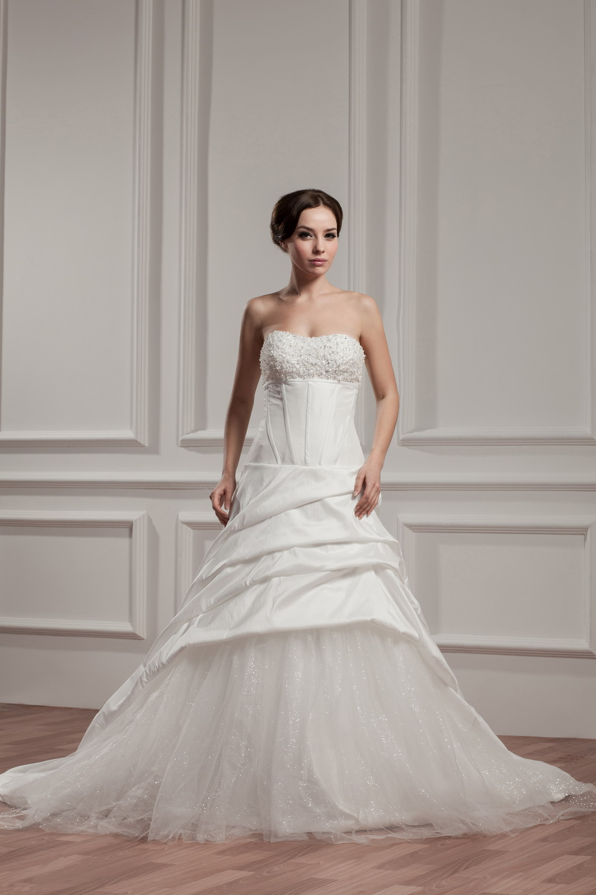 Wedding Gowns On Sale: Gypsy Wedding Dress With Floor Length Court Train
