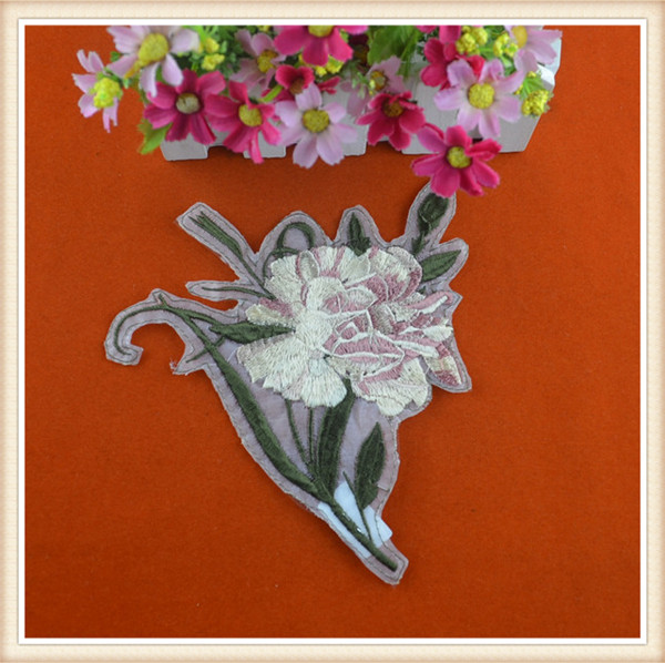 fashion floral embroidery patches/ costom flower embroidered patch/applique for jeans/clothing