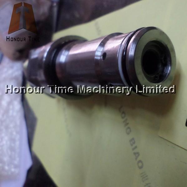 PC200-5 Main relief valve (4).JPG