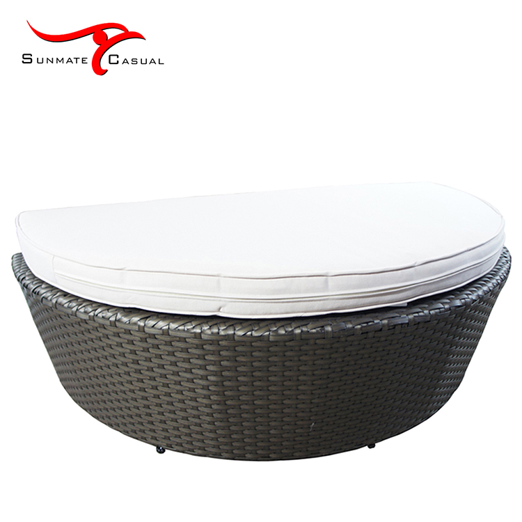 outdoor lounge bed.jpg