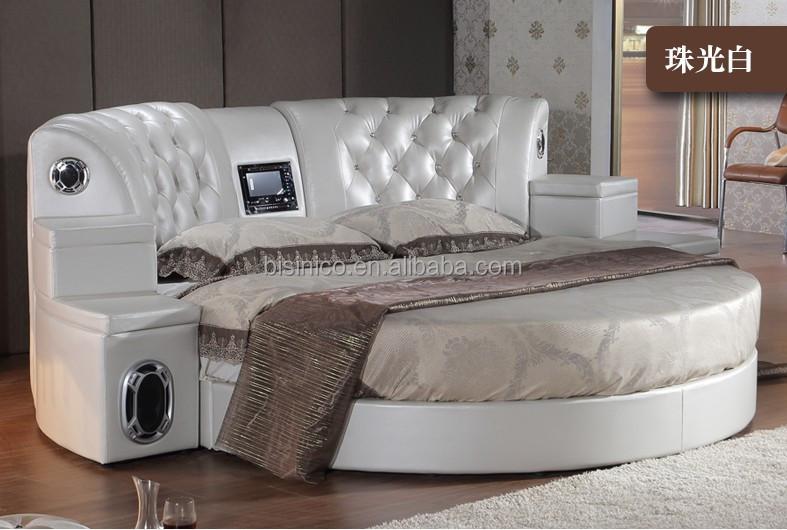Сексы которые делают на спальной кровати фото 470-617