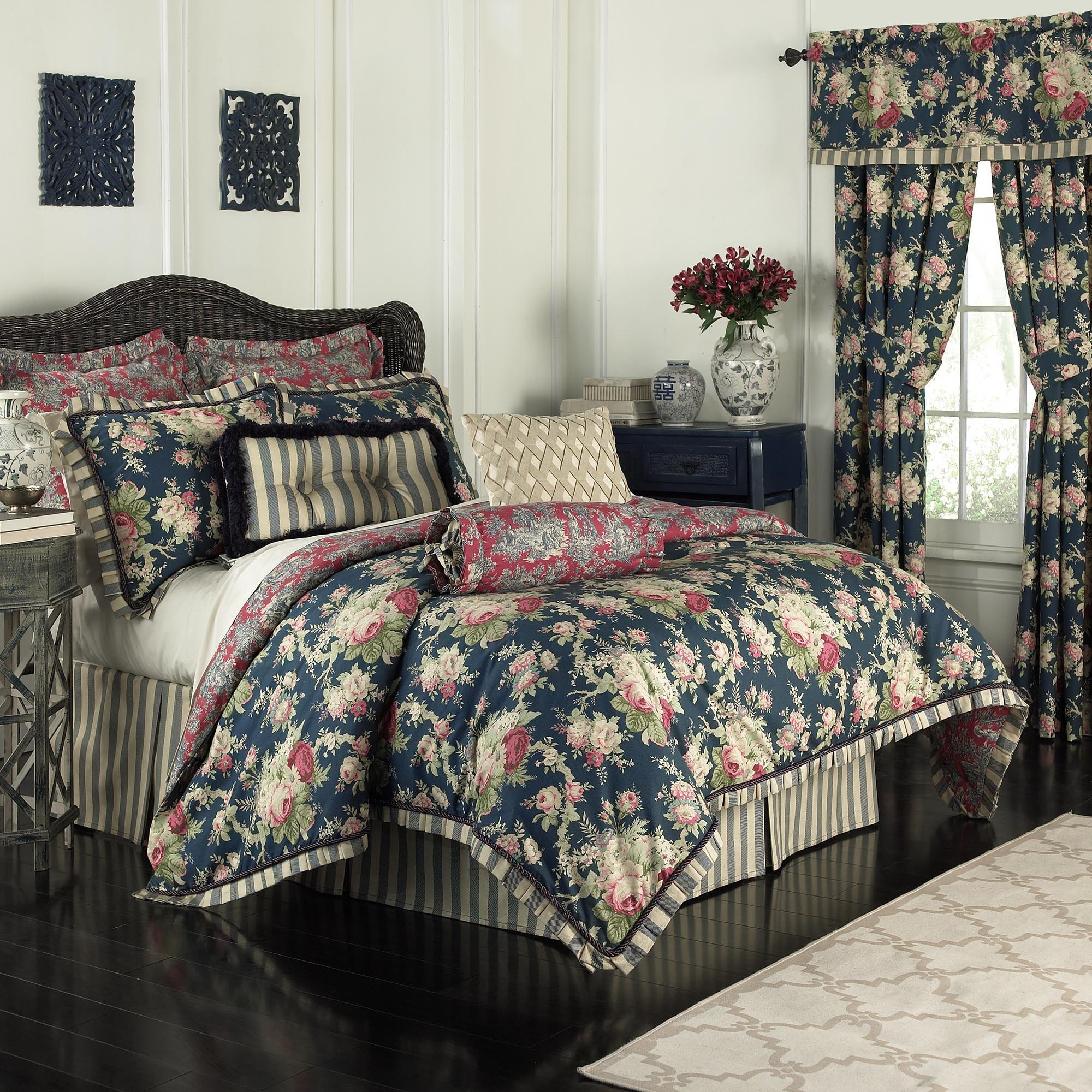 Waverly 14922BEDDQUEHTB Sanctuary Rose 96-Inch by 92-Inch 4 Piece Queen Comforter Set, Heritage Blue