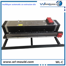 High-end automatic plastic extrusion die