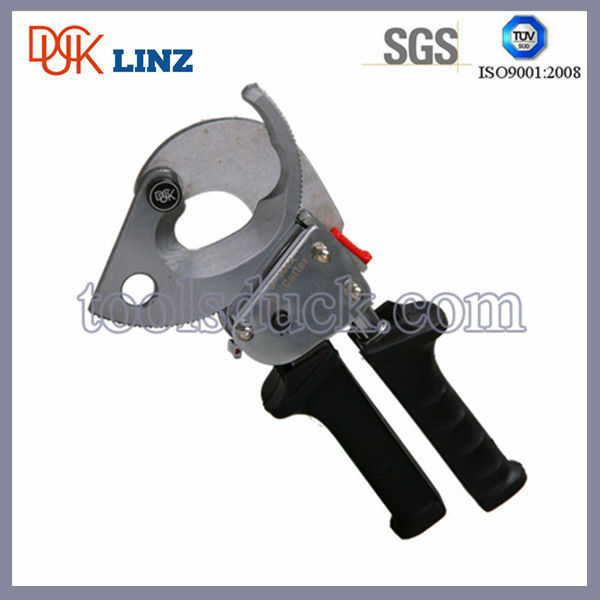 Efficient switch copper and aluminum portable hand cable cutter tool