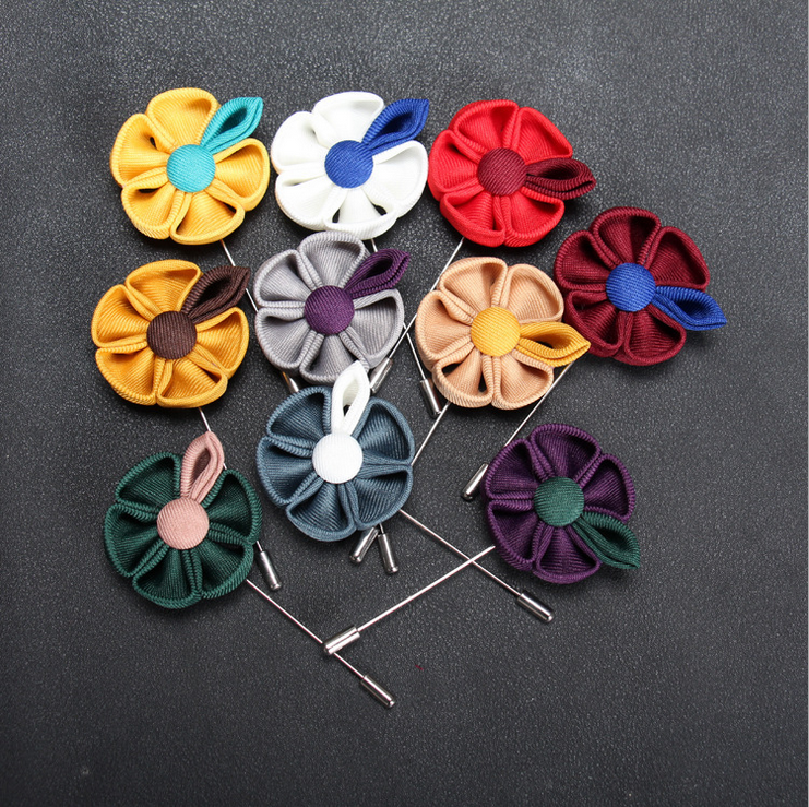 New product christmas korean brooch free sample metal large brooches