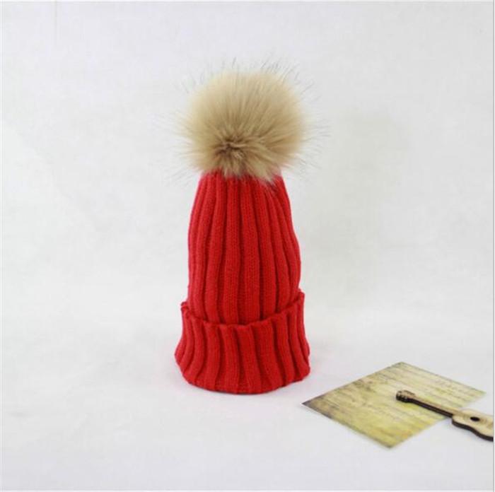 La manera del sombrero del invierno para las mujeres sólido de punto ...