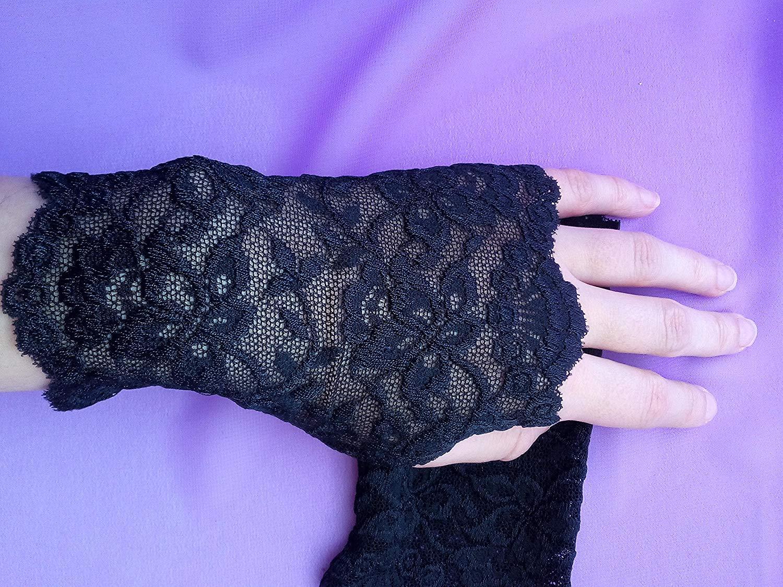 Black Lace Fingerless Gloves / Burlesque / Gothic / Steampunk / Caberet / Bohemian / Elegant / Romantic / Vintage / Victorian
