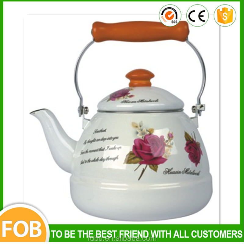 With wooden handle 1.5L enamel kettle