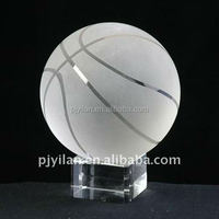 80mm elegant crystal basketball with base for sport supply