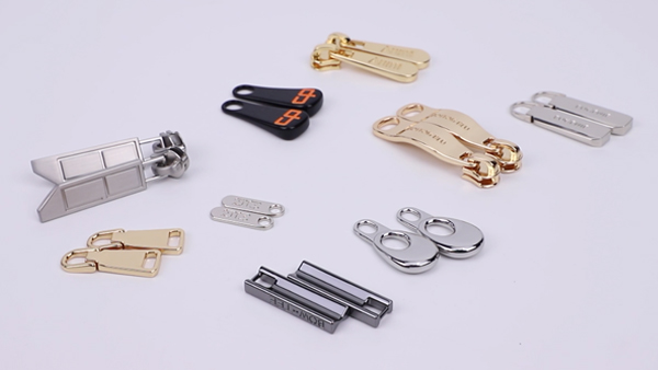 Custom Engraved Logo Metal Brand Zipper Pull Charms, Custom Made Colorful Bag Metal Zipper Slider Puller For Handbag Garment