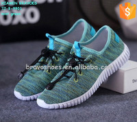 new breathable flyknit upper soft sole athletic shoes