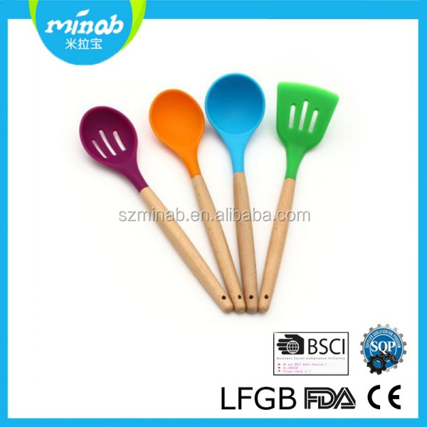 High quality kitchen utensils wooden handle silicone cooking tools set