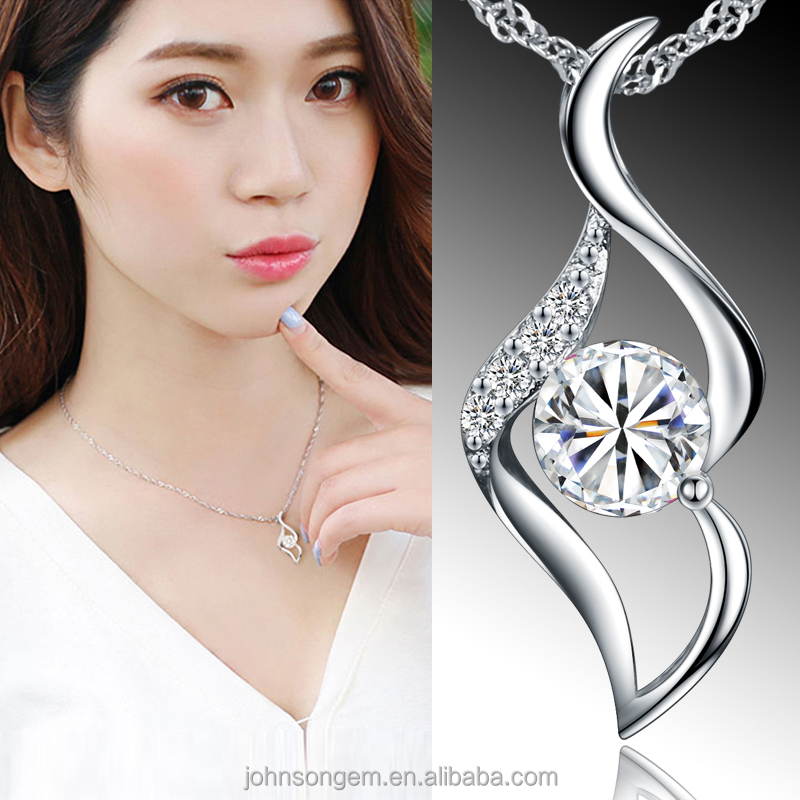 Award Winning Design Silver 925 Unique Fashion Lip Shape Zircon Pendant Necklace Jewellery Kiss Me Jewelry Accessories for Women