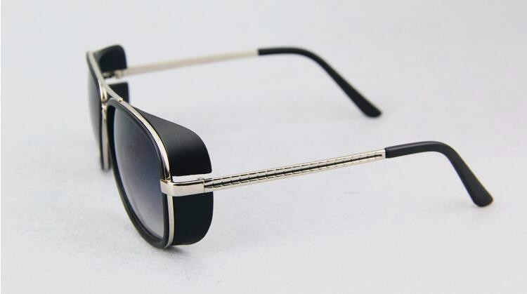 Masculino Steampunk Óculos De Sol Tony Stark Homem De Ferro Matsuda Óculos  De Sol Retros Do 3f806bc170