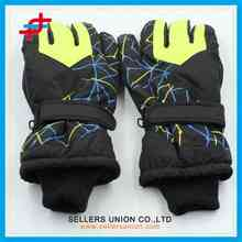 classic high quality winter men sports ski gloves for wholesale/waterproof and windproof