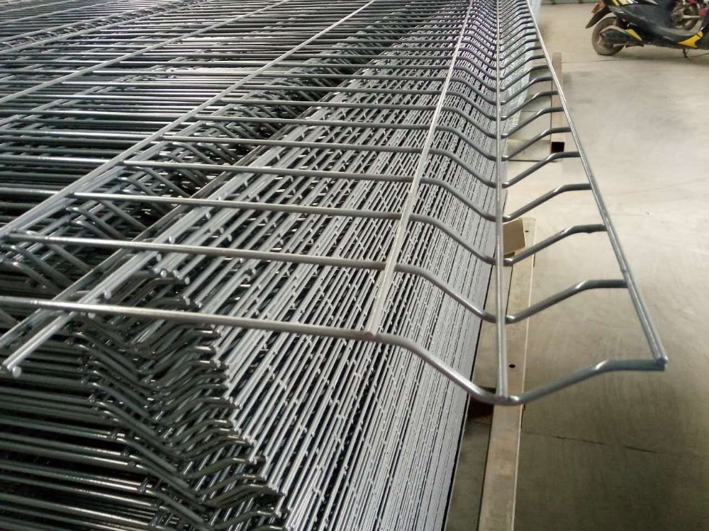 Pvc coated and galvanized welded wire mesh fence panels