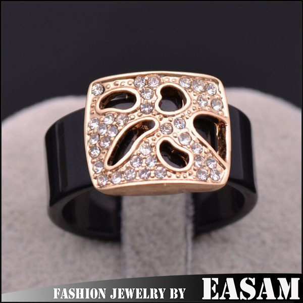 Men&women acrylic ring with hollow alloy rhinestone set ring