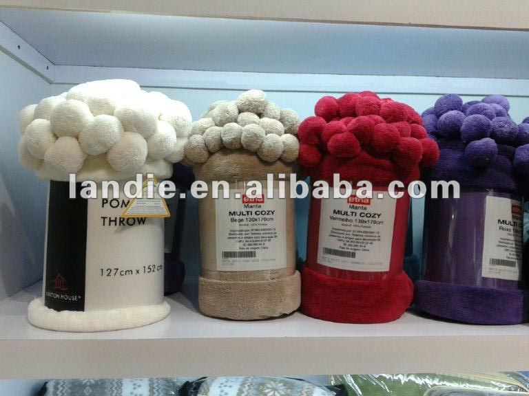 100 pct polyester plain dyed coral fleece blanket with pompoms