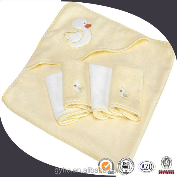 HOT SALE wholesale customized cotton cartoon duck embroidery hooded baby towel