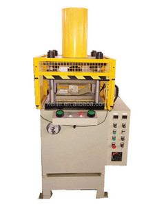 X32 40T CNC small four-column hydraulic press heat hydraulic oil press/record press sale