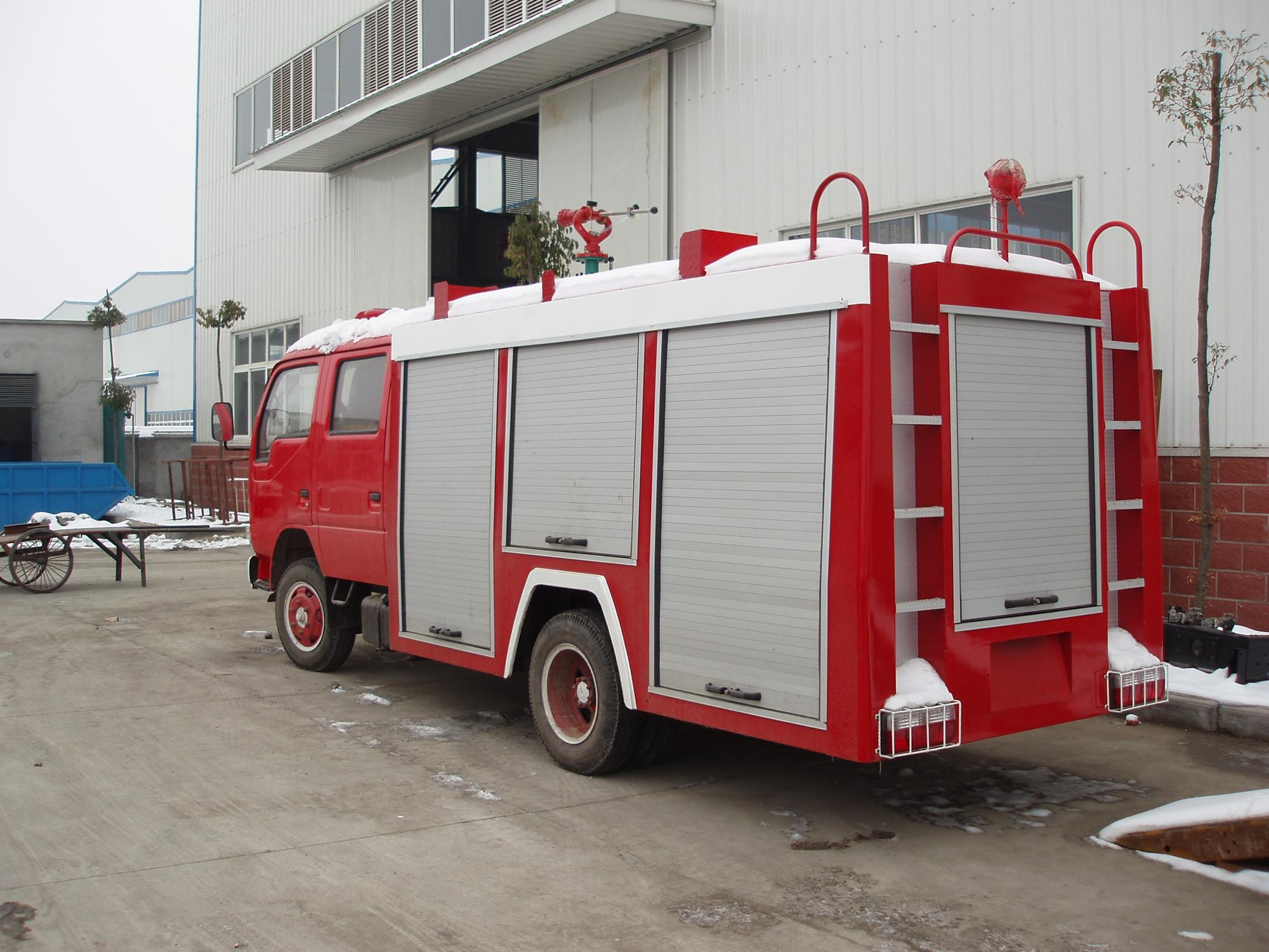 Dongfeng Mini Antique  Water Tank Fire Truck  Fire Fighting Water Pump Truck
