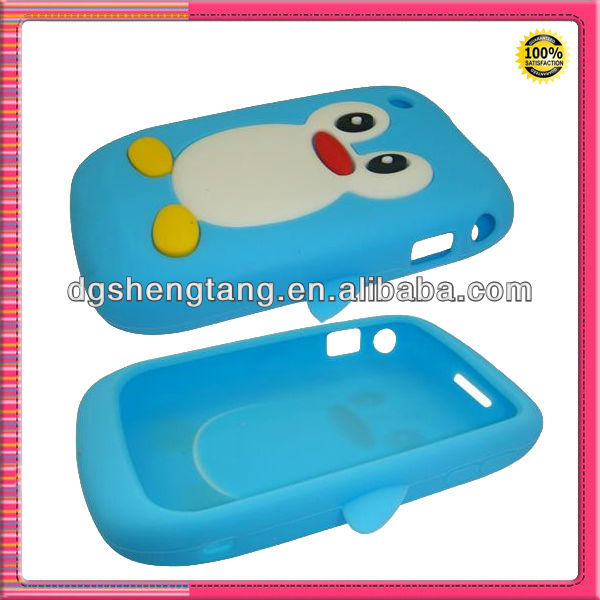 Penguin shaped silicone mobile phone covers for Blackberry8520