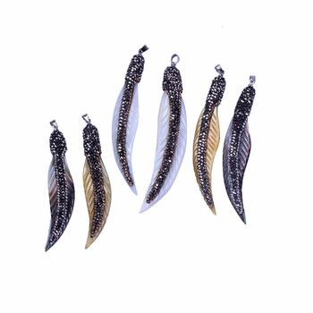 ddd57d6e7685 Ganso blanco plumas grandes alas de Ángel colgante de concha de mar collar  con Micro CZ