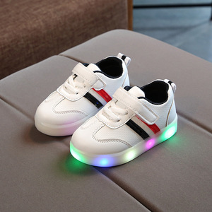 2018 wholesaler factory price new spring light flash casual shoes
