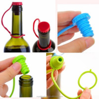 Kitchen Anti-lost Silicone Hanging Button Seasoning Beer Wine Cork Stopper Plug Bottle Cap Cover Perfect Bottle stopper