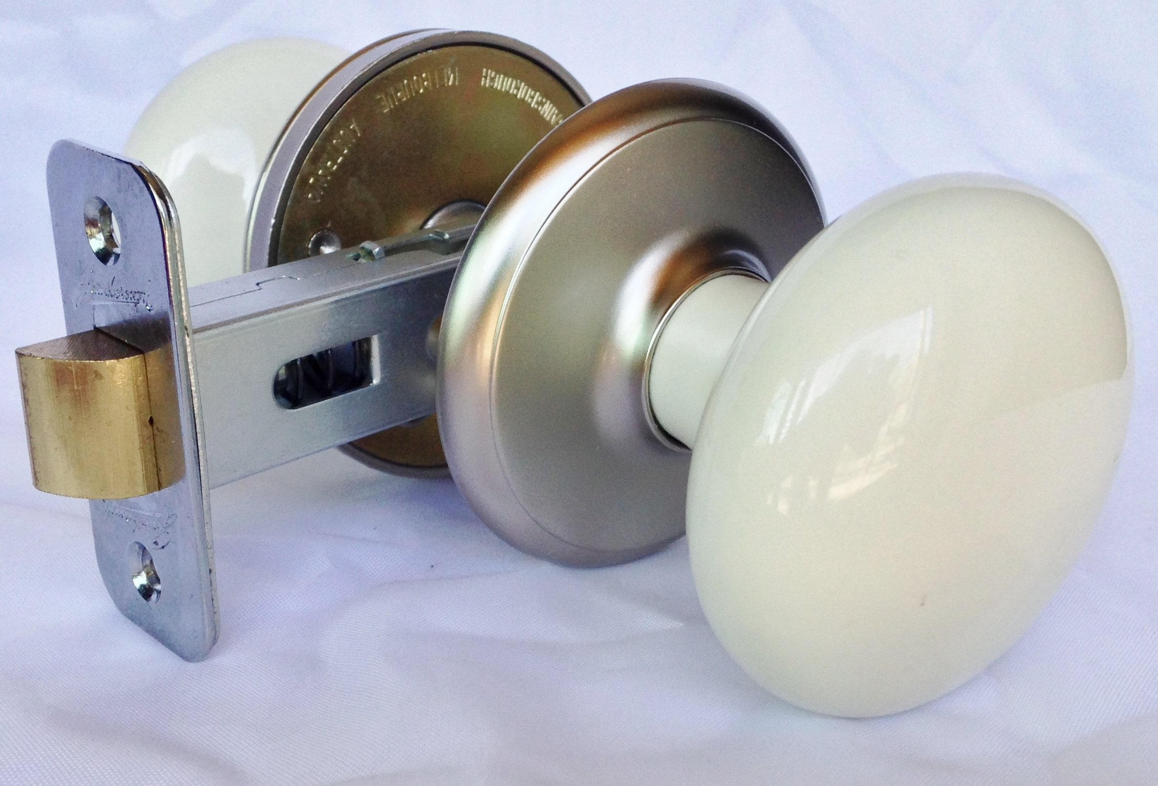 Get Quotations · Ultra Hardware 88577 Gainsborough Porcelain Hall Closet Door  Knob, Satin Nickel