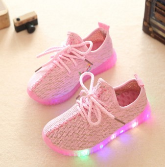 New design cheap customize sport children USB sneakers led kids yeezy light shoes