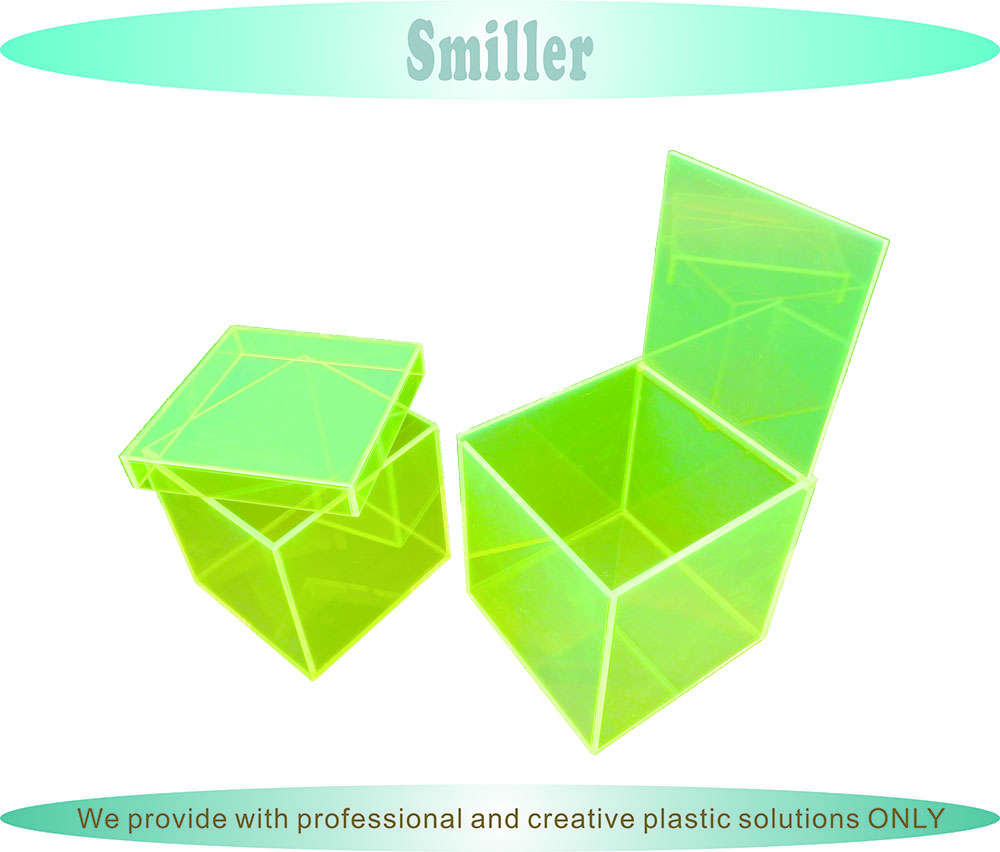 Customized clear plastic acrylic square cube box