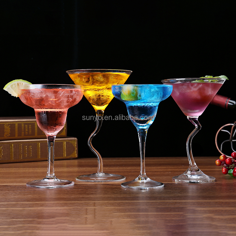 Handcrafted Fashioned FDA/SGS Certification High Quality Crystal swirl Margarita Glass set Cocktail glass