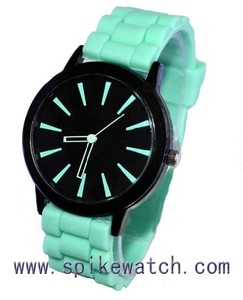 Mint green color rubber band promotional quartz watch below 2 dollars