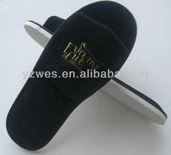 5e5eb569f80767 warna hitam merasa sangat lembut dan dengan emas bordir logo murah sandal  hotel