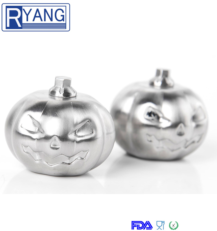 2017 new design Halloween Pumpkin Shape Wholesale Stainless Steel Whiskey Chilling Reusable Ice Cubes