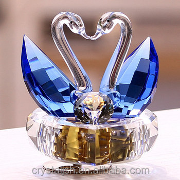 Latest Lovely Heart Shape Crystal Gl Swan Music Box For Wedding Favor Souvenir