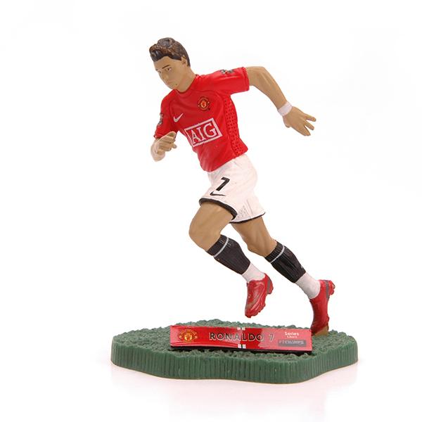 картинки игрушек футболистов сугудай это