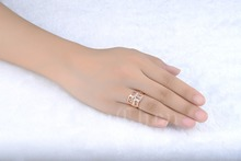AndyChen Luxury Rose Gold Plated Wedding Rings for Women Crystal Jewelry Trendy Engagement Accessories Party Bague