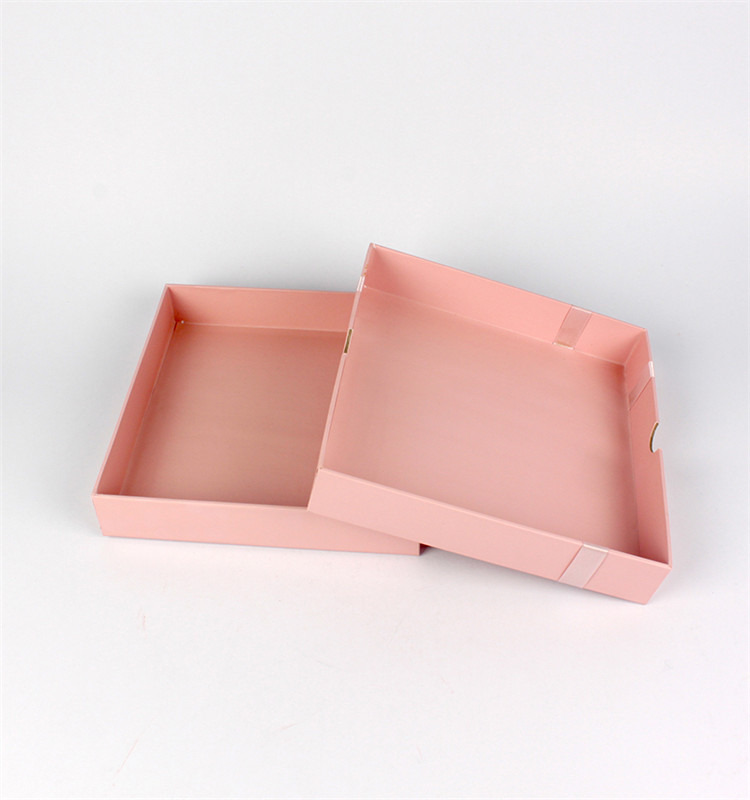 Luxury Pink Cardboard Gold Stamping Gift Box With Silk Ribbon