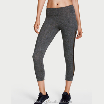 Bootcut capri leggings