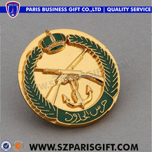 decorative gold plated enamel buttons pin badge with gun design