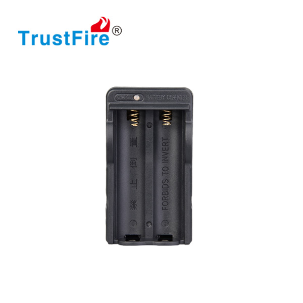 18650 Lithium battery charger TrustFire 18650 dual portable charger, Original Factory Low price battery charger