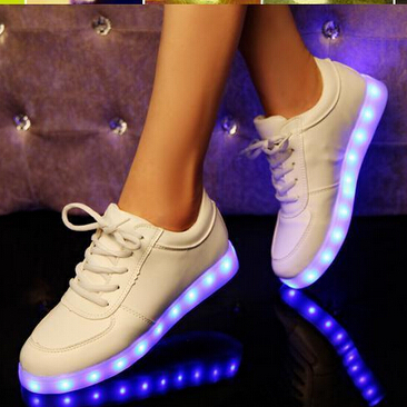4a1969cf14409c ... unisexe LED baskets lumineuses hommes blanc USB lumineux chaussures  Hyperfuse chaussures LED Light Up Sneaker