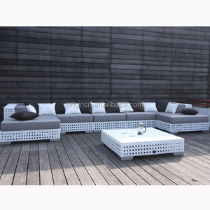 White wicker woven chaise lounge designed outdoor sleeping sofa plastic rattan furniture set