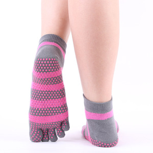 Hot comfortable striped five toe socks made of cotton