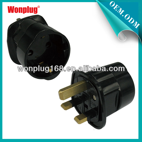 2014 New Fashion Design Wonplug Own Design 3 Flat Pin Adaptor with Good Quality