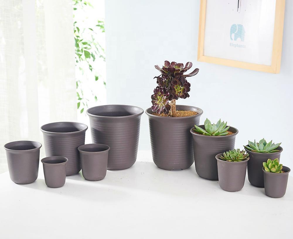 black-plastic-pot-japanese
